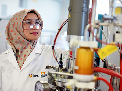 KTP associate Dr Nanda Ayu Puspita in the laboratories in the National Horizons Centre.. Link to KTP associate Dr Nanda Ayu Puspita in the laboratories in the National Horizons Centre..