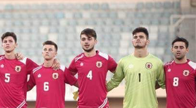 Richie Parral, centre, lining up for his country.. Link to Richie Parral, centre, lining up for his country..