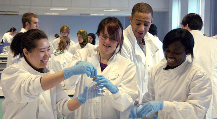 Teesside University has been awarded £250,000  to help fund degree apprenticeships in STEM subjects in the Tees Valley.